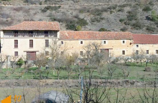 Casona para reconstruir en el valle de Sedano