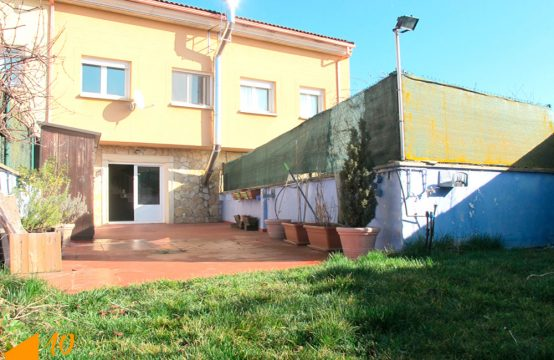 Preciosa casa adosada en Cardeñajimeno con buen entorno