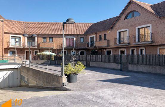 Adosado en urbanización privada en la Ventilla.