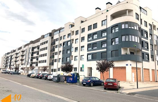 Apartamento de VPO en Presidente Adolfo Suarez