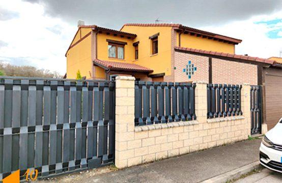 Casa Pareada en Revillaruz para entrar a vivir